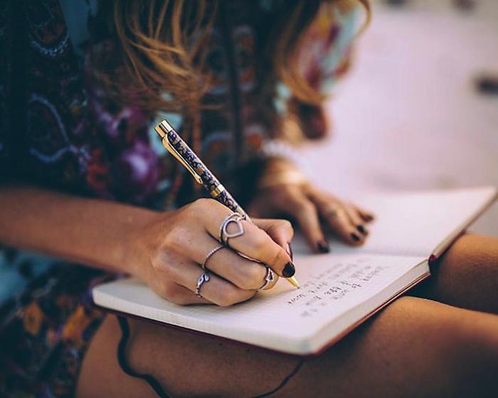 Scrivere un diario personale di ringraziamento: una utilissima pratica di consapevolezza